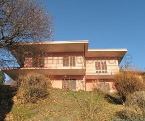 Arizzano villa indipendente con giardino e bellissima Vista Lago - Rif :516