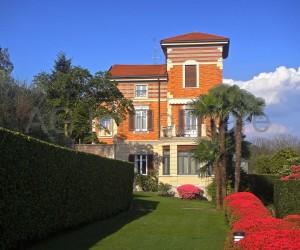 Verbania prima collina Villa con parco e Vista Lago: Rif. 007