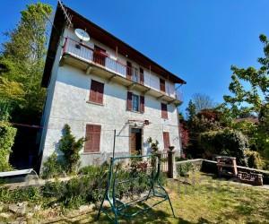 Verbania collinare Casa indipendente con rustico e giardino privato Vista Lago - Rif: 167