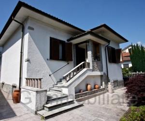 Verbania villetta indipendente con giardino e garage - Rif: 155