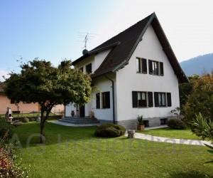 Verbania vicinanze Villa indipendente con giardino e vista lago: Rif - 112
