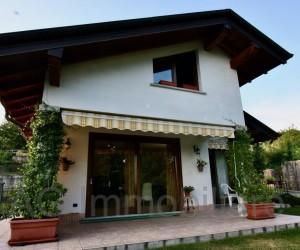 Arizzano freistehendes Haus mit Seeblick - Ref: 097