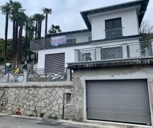 Verbania Villa fronte lago con giardino e piscina privata - Rif: 083
