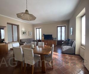Verbania Intra appartamento quadrilocale in palazzo d'epoca con Vista Lago - Rif: 037